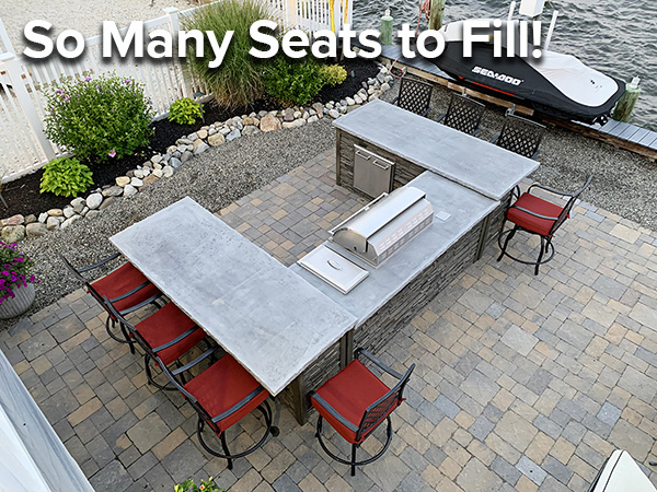 U-Shape Outdoor Kitchen with 8 empty seats